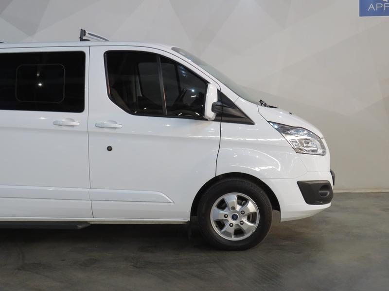 Ford Tourneo Custom 2.2 Tdci Swb Ltd Image 4