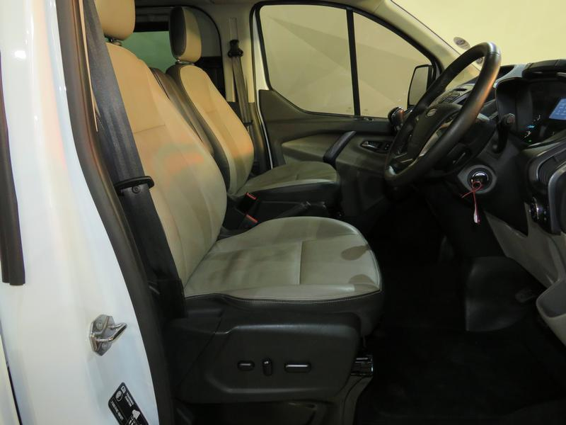 Ford Tourneo Custom 2.2 Tdci Swb Ltd Image 8