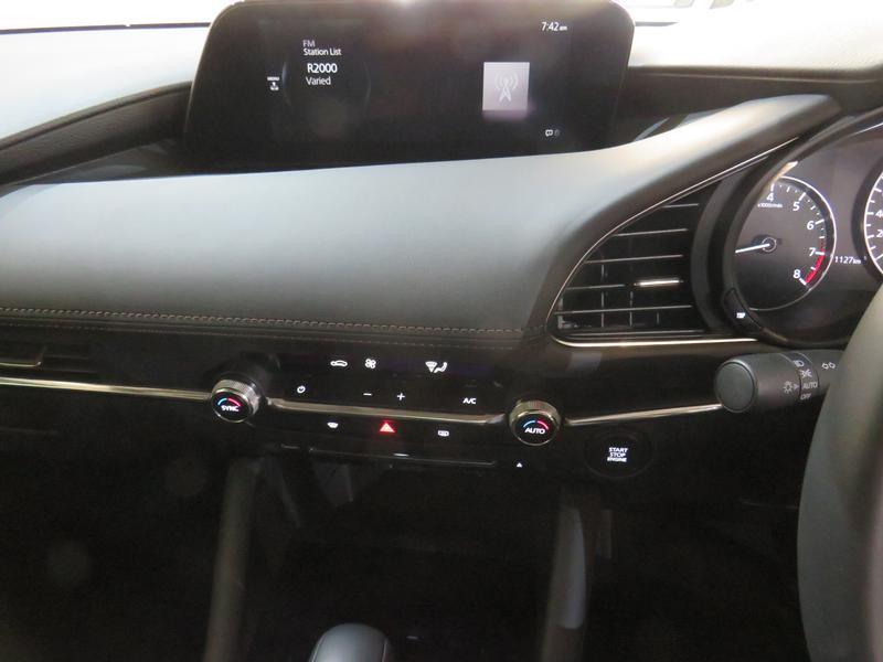 Mazda 3 2.0 Astina 4-Door At Image 10
