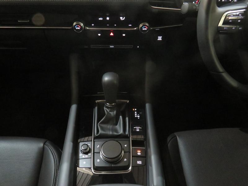 Mazda 3 2.0 Astina 4-Door At Image 11