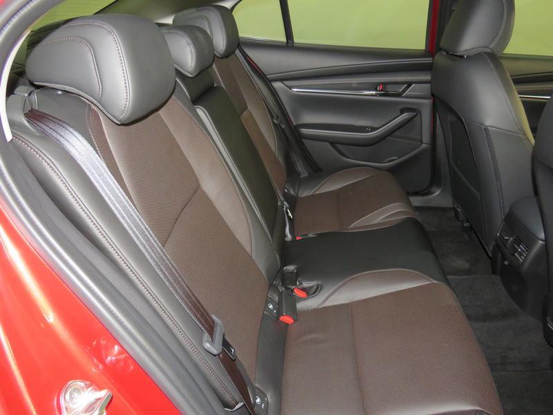 Mazda 3 2.0 Astina 4-Door At Image 15