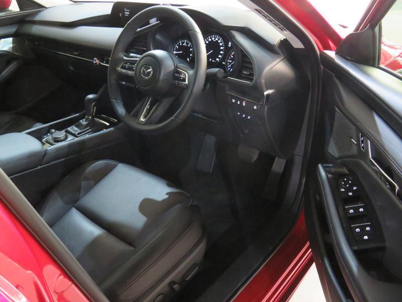 Mazda 3 2.0 Astina 4-Door At Image 7