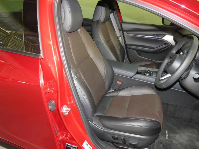 Mazda 3 2.0 Astina 4-Door At Image 8