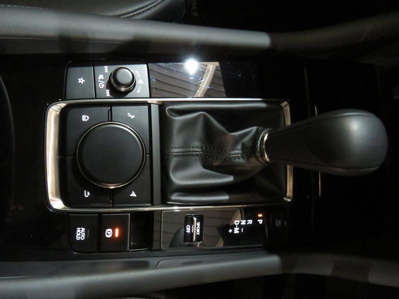 Mazda 3 2.0 Astina 4-Door At Image 9