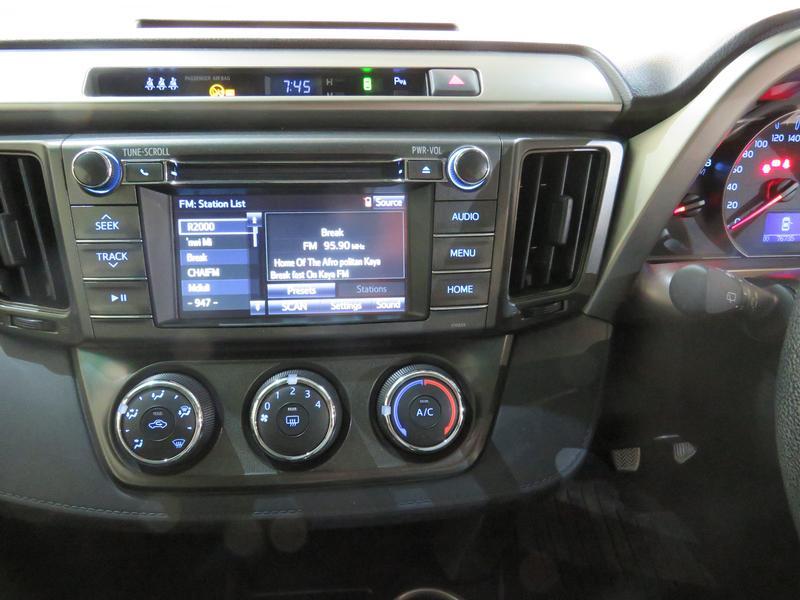 Toyota Rav4 2.0 Gx 4X2 Image 10