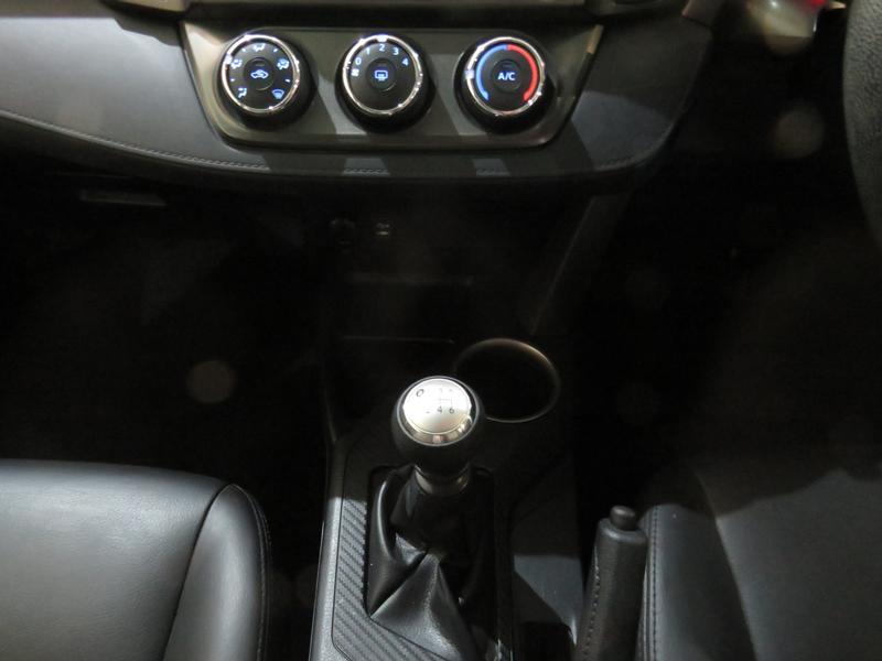Toyota Rav4 2.0 Gx 4X2 Image 11