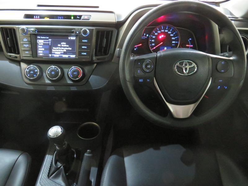 Toyota Rav4 2.0 Gx 4X2 Image 13