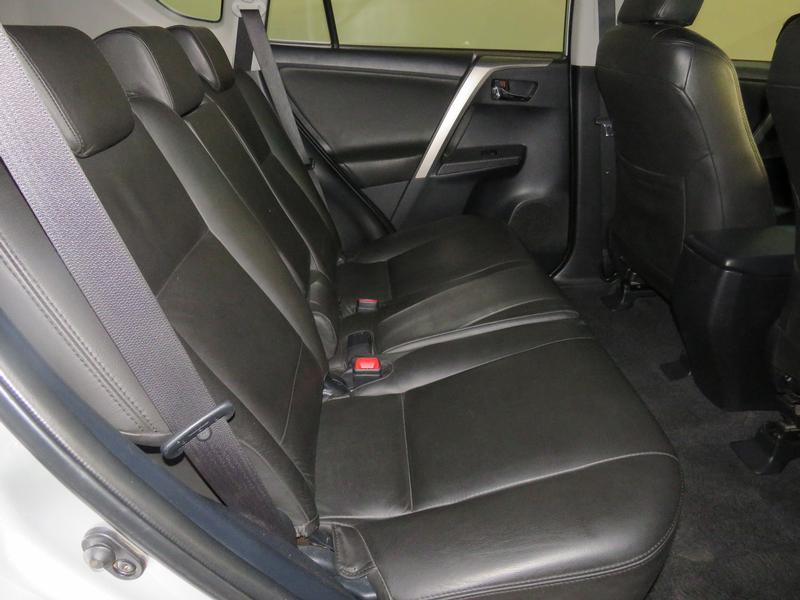 Toyota Rav4 2.0 Gx 4X2 Image 15