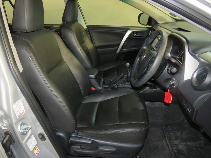 Toyota Rav4 2.0 Gx 4X2 Image 8
