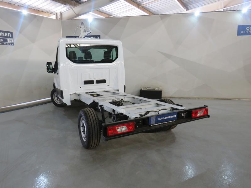 Ford Transit 2.2 Tdci Chassis Cab 330 Mwb Image 15